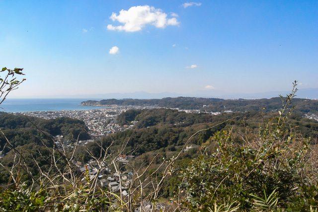 衣張山から富士山を望む