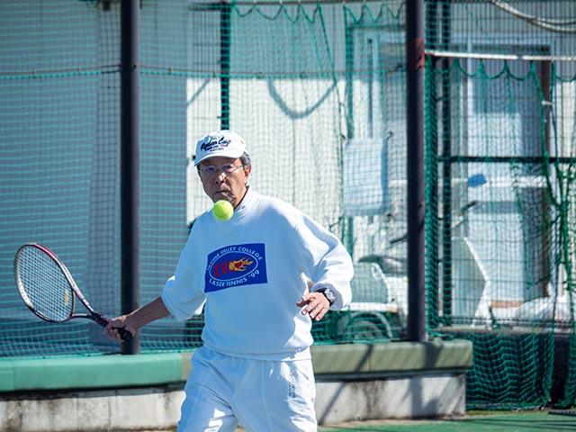 健康テニス、フォアハンド