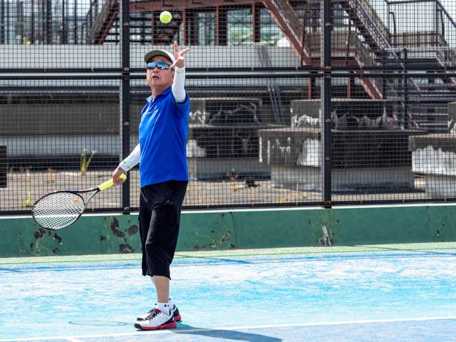 健康テニス、トスアップ
